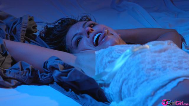 Paranormal: Part 1 - The Exorcism - Adriana Chechik, Kristen Scott